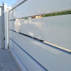 Cancello automatico scorrevole KIKO con inserti in acciaio inox - Cebi Srl